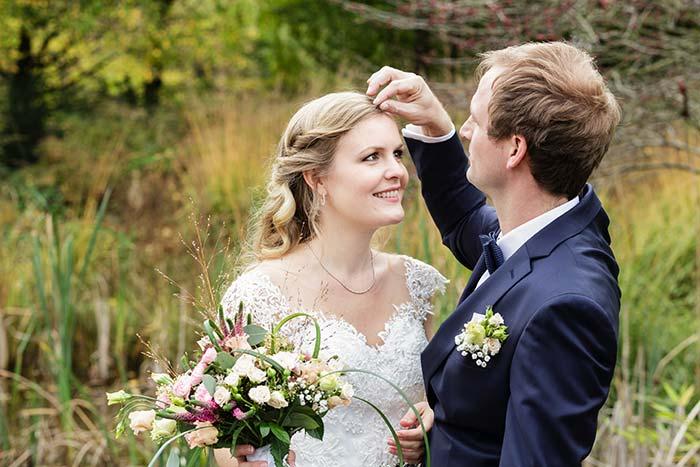 Romantische freie Trauung mit der Hochzeitsrednerin